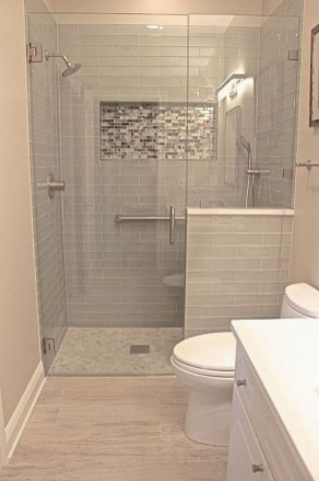 Gorgeous Small Bathroom Remodel Ideas On A Budget 27