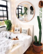Minimalist Bedroom Decorating Ideas For Small Spaces 10