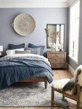 Minimalist Bedroom Decorating Ideas For Small Spaces 41