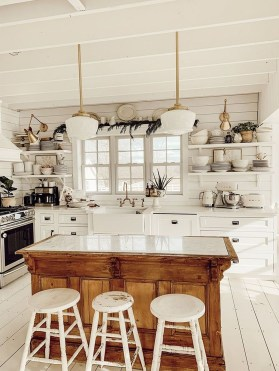 Stunning Country Farmhouse Design Ideas For Kitchen 16