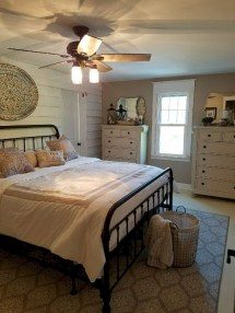 Best Master Farmhouse Bedroom Ideas 20