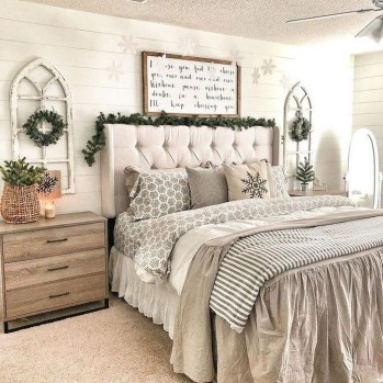 Best Master Farmhouse Bedroom Ideas 36