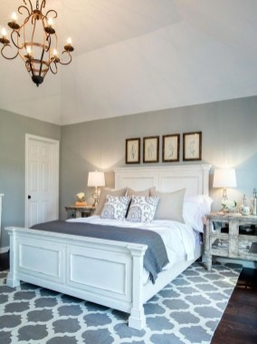 Best Master Farmhouse Bedroom Ideas 42