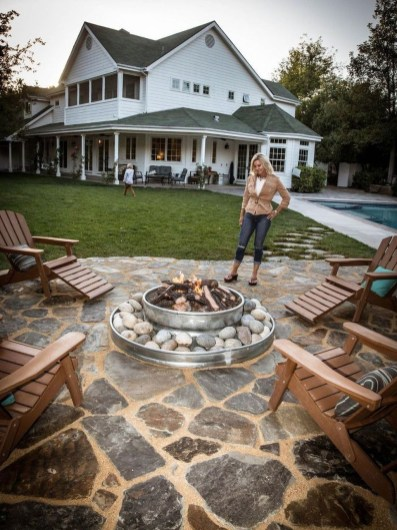 Creative Build Round Firepit Area Ideas For Summer Nights 30