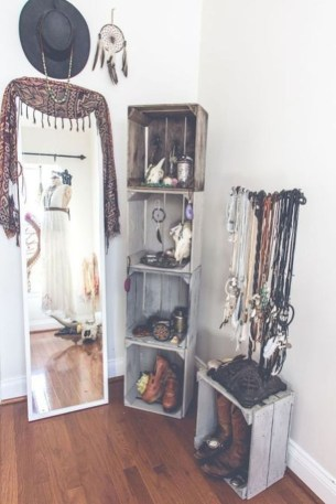 Inexpensive Bedroom Organization Ideas On A Budget 26