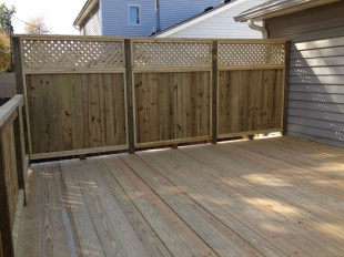 Charming Privacy Fence Ideas For Gardens 16