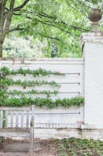 Charming Privacy Fence Ideas For Gardens 17