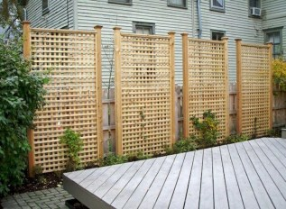 Charming Privacy Fence Ideas For Gardens 18