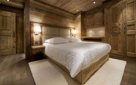 Comfy Wooden Cabin Bedroom Design Ideas For Summer Holiday 30
