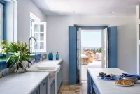 Cool Colorful Kitchen Decor Ideas For Summer 34