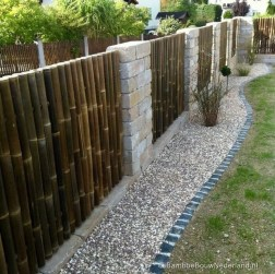 Cool Garden Fence Decoration Ideas To Try This Year 19