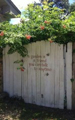Cool Garden Fence Decoration Ideas To Try This Year 31