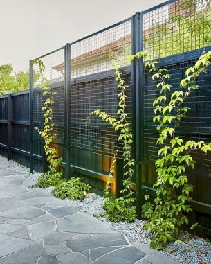 Cool Garden Fence Decoration Ideas To Try This Year 39