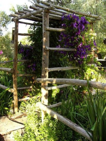 Cool Garden Fence Decoration Ideas To Try This Year 52