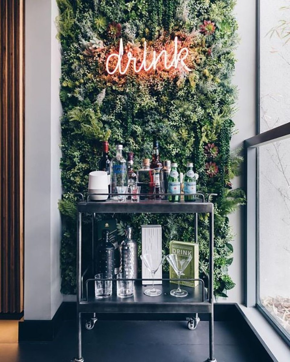 Elegant Mini Bar Design Ideas That You Can Try On Home 09