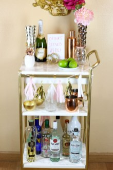 Elegant Mini Bar Design Ideas That You Can Try On Home 45