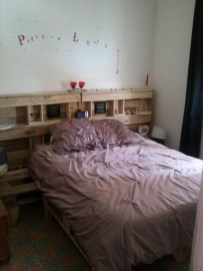 Fancy Diy Ideas To Make Bed Place From Pallet Project 14