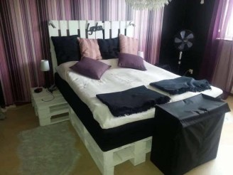 Fancy Diy Ideas To Make Bed Place From Pallet Project 31