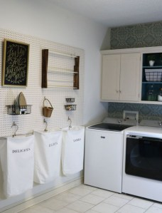 Fascinating Small Laundry Room Design Ideas 47