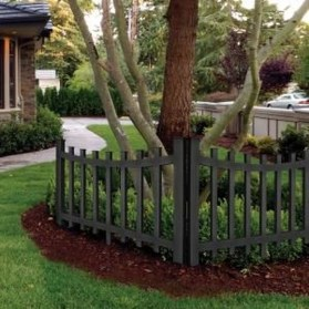 Gorgeous Black Wooden Fence Design Ideas For Frontyards 25