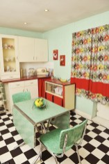 Impressive Retro Décor Ideas To Apply Asap 22