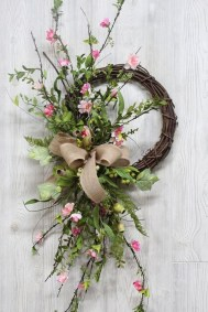 Pretty Summer Wreath Decor Ideas For Front Door 04