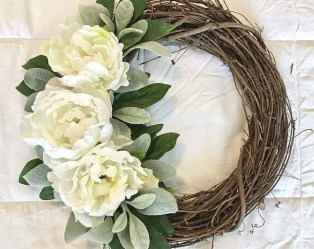 Pretty Summer Wreath Decor Ideas For Front Door 12