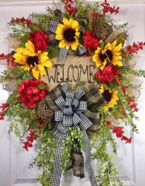 Pretty Summer Wreath Decor Ideas For Front Door 16