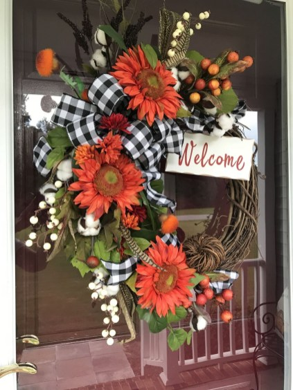 Pretty Summer Wreath Decor Ideas For Front Door 31