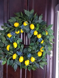 Pretty Summer Wreath Decor Ideas For Front Door 38