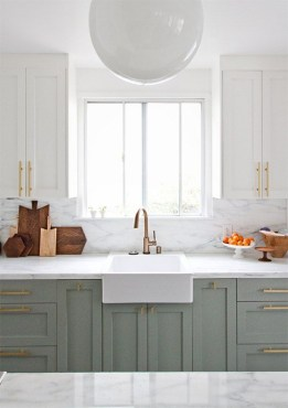 Unique Painted Kitchen Cabinets Design Ideas With Two Tone 19