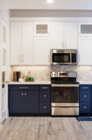 Unique Painted Kitchen Cabinets Design Ideas With Two Tone 23