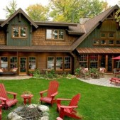 Astonishing Exterior Paint Colors Ideas For House With Brown Roof 29
