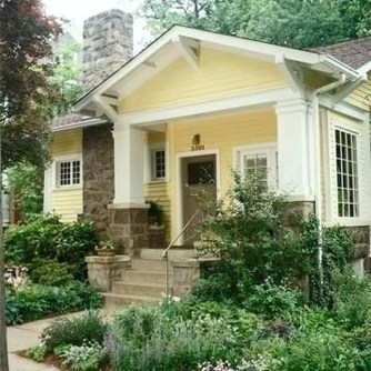 Astonishing Exterior Paint Colors Ideas For House With Brown Roof 36