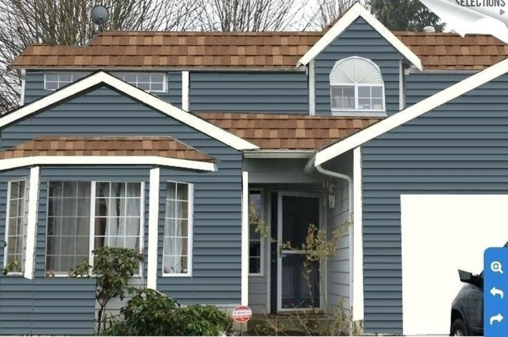 Astonishing Exterior Paint Colors Ideas For House With Brown Roof 43