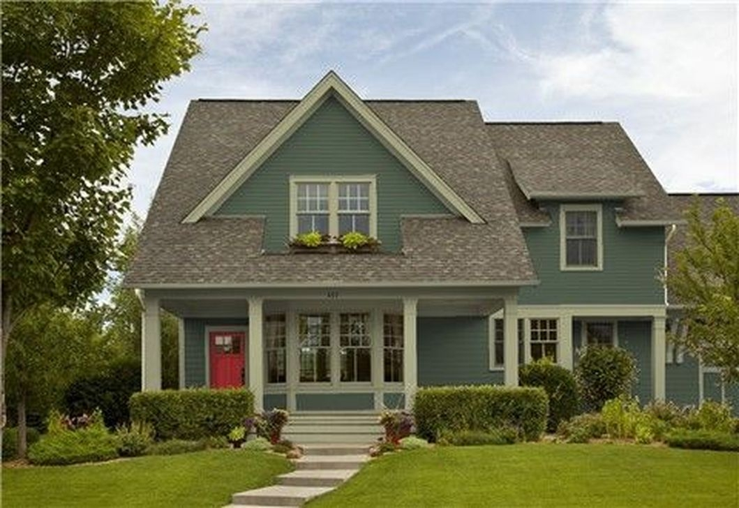 Astonishing Exterior Paint Colors Ideas For House With Brown Roof 51