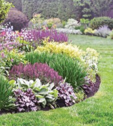 Attractive Border Garden Ideas To Your Landscaping Edging 03