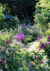 Attractive Border Garden Ideas To Your Landscaping Edging 13
