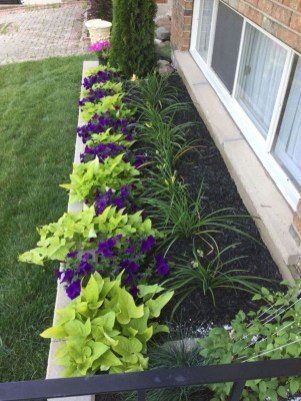Attractive Border Garden Ideas To Your Landscaping Edging 14