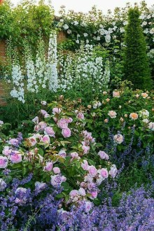 Attractive Border Garden Ideas To Your Landscaping Edging 24