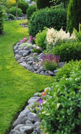 Attractive Border Garden Ideas To Your Landscaping Edging 27
