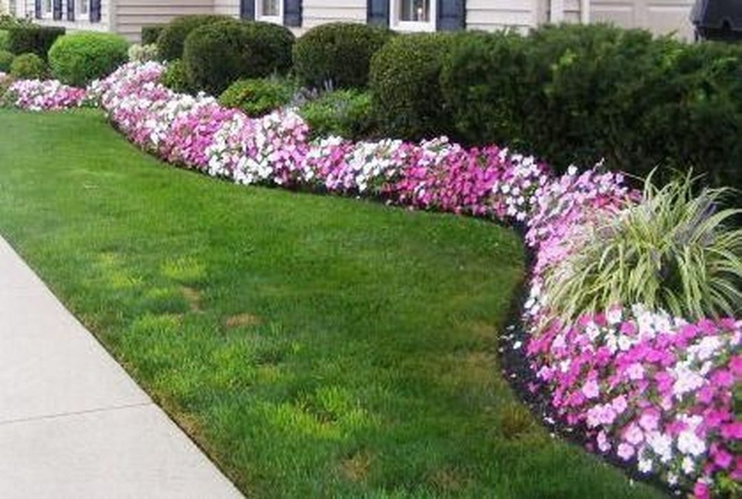 Attractive Border Garden Ideas To Your Landscaping Edging 44