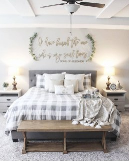 Classy Farmhouse Bedroom Ideas To Try Right Now 43