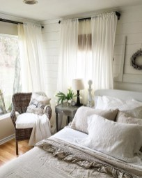 Classy Farmhouse Bedroom Ideas To Try Right Now 46