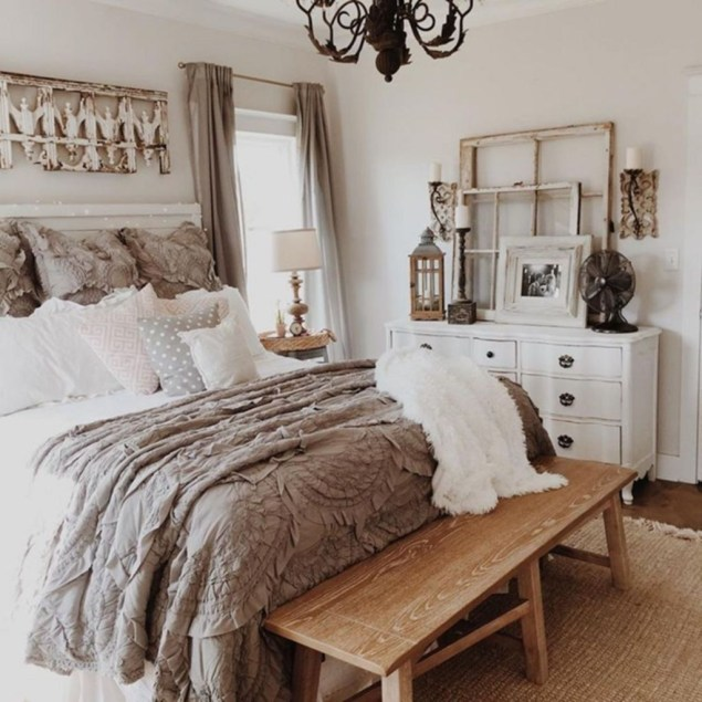 Classy Farmhouse Bedroom Ideas To Try Right Now 54