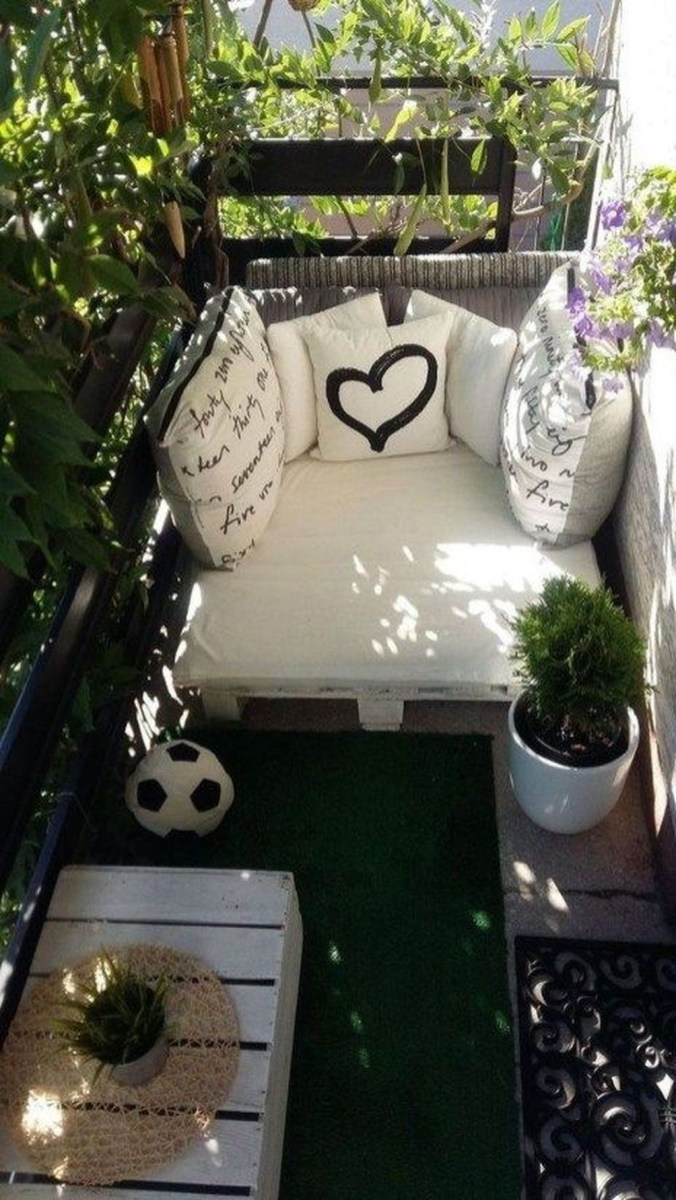 Cool Apartment Balcony Design Ideas For Small Space 05