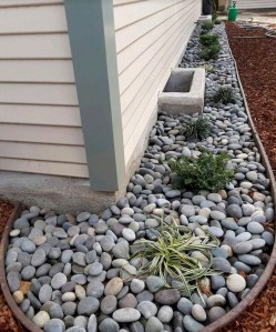 Cozy Rock Garden Landscaping Ideas For Make Your Yard Beautiful 40