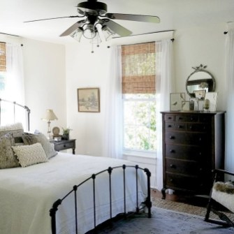Enchanting Farmhouse Bedroom Ideas For Your House Design 06