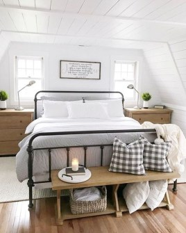 Enchanting Farmhouse Bedroom Ideas For Your House Design 07