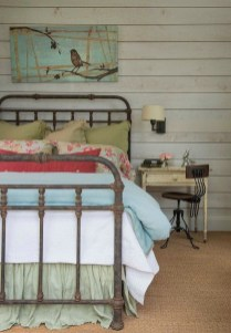 Enchanting Farmhouse Bedroom Ideas For Your House Design 28